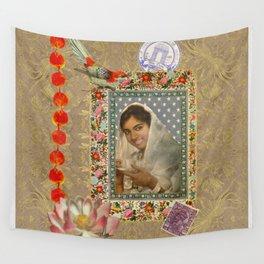 Un jour j'irai à New Dehli avec toi ... Wall Tapestry