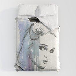 Sky Ferreira Comforters