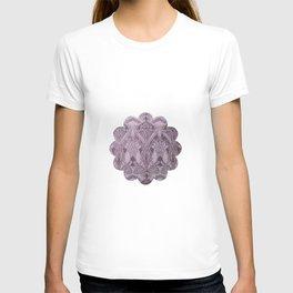 Lavender,art nouveau,vintage,beautiful,floral,belle époque,pattern,elegant, chic,modern,trendy T-shirt