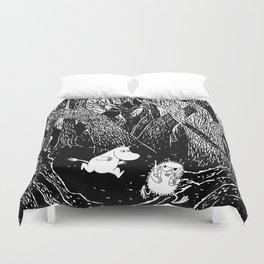 Moomins run for Stinky Duvet Cover