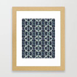Intersecting Geometric Pattern Design Framed Art Print