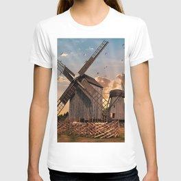 Traditonal dutch windmills at sunrise T-shirt