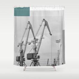 Giraffe crane Shower Curtain