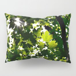 Green Maple Leaf PattrnTree Leaves Parallax Sunshine Shows Leaves Green Color Pillow Sham