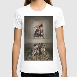 Un Chat dans la Fête Foraine (XIII) // A Cat in the Carnival (XIII) T-shirt