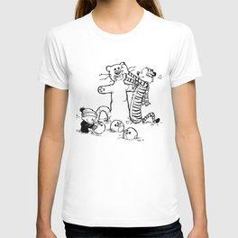 Calvin & Hobbes play snow man T-shirt