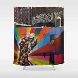 NY Kobra kiss Shower Curtain
