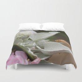 Snail Seeker Duvet Cover