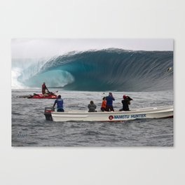 THE BIGGEST WAVE EVER WITNESSED AT CLOUDBREAK Fiji Canvas Print