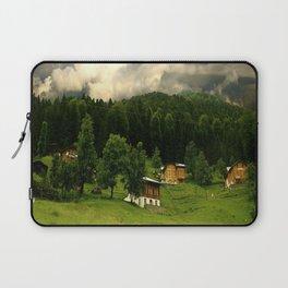 wide wild world Laptop Sleeve