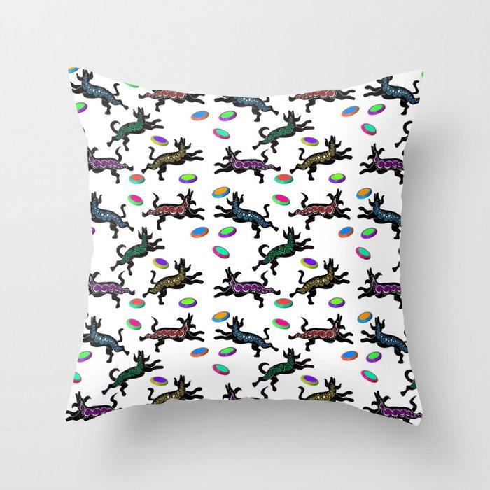 FRISBEE DOGS Throw Pillow