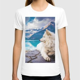 Wolf in Paradise (Color) T-shirt