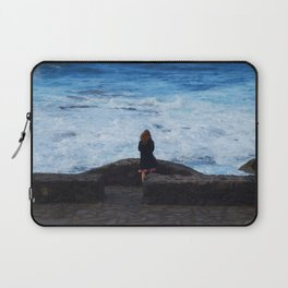 Ocean lover, meditation in front of the sea Laptop Sleeve