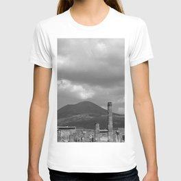 Mount Vesuvius Volcano Overlooking Pompeii T-shirt