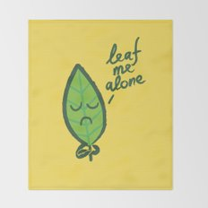The introvert leaf Throw Blanket