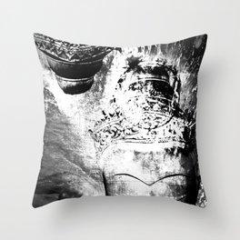 Jiànyú Throw Pillow