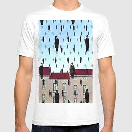 Golconda (1953) - René Magritte T-shirt