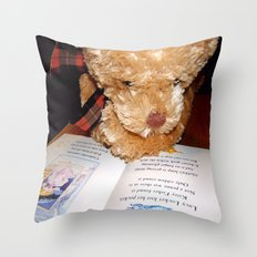 Reading does the mind good Throw Pillow