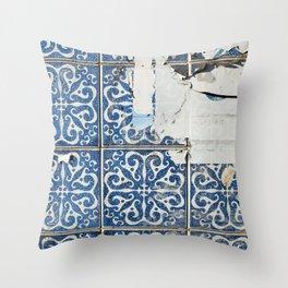 dirty azulejos Throw Pillow
