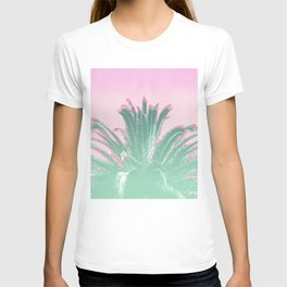 Palm Tree Leaves Tropical Vibes Design T-shirt