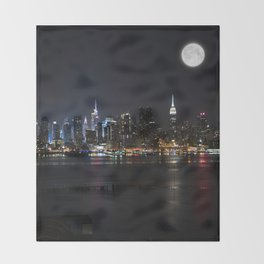New York Supermoon Throw Blanket