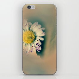 Daisy with glitter iPhone Skin