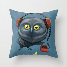 Hooting lesson Throw Pillow
