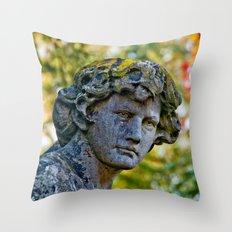 An angel's face Throw Pillow