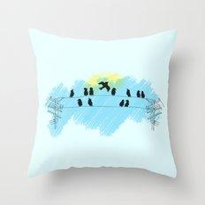 Pájaro Throw Pillow