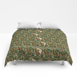 3D triangles with camo pattern Comforters