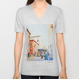 Teramo: foreshortening with red buildings and newspaper kiosk Unisex V-Neck