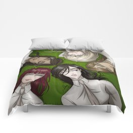 Girls on the grass Comforters