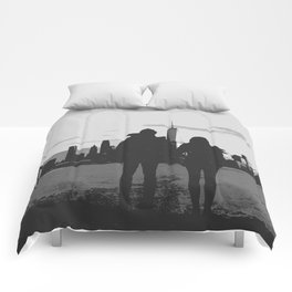Couple Looking At New York City Skyline Artistic Black And White Comforters