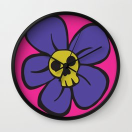 She kills me, she kills me not... Wall Clock