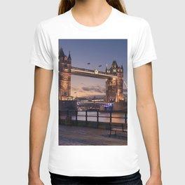 Historic Tower Bridge Thames River London Capital City England United Kingdom Romantic Sunset UHD T-shirt