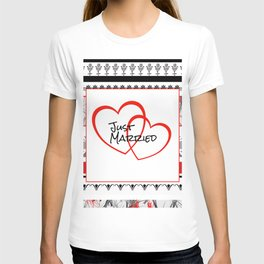 just Married Hearts white pattern II T-shirt