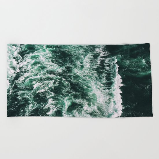 ocean waves Beach Towel