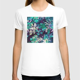 Elegant Jungle Floral Design on Midnight Purple Background T-shirt