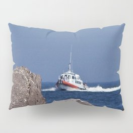 Headed towards the Rocks Pillow Sham