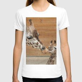 Giraffe 002 T-shirt