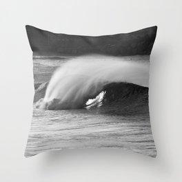 Perfect wave. Throw Pillow