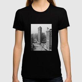 Flatiron Building - Vintage New York - 1908 T-shirt
