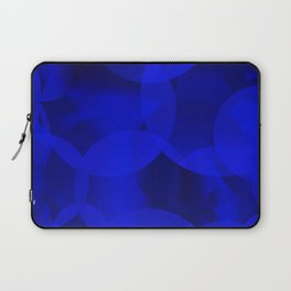 Abstract soap of ultramarine molecules and transparent bubbles on a deep blue background. Laptop Sleeve