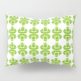 Claddagh ringing Pillow Sham