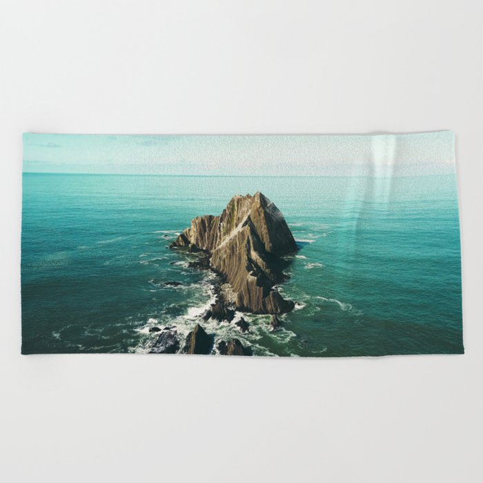 Island green sea Beach Towel