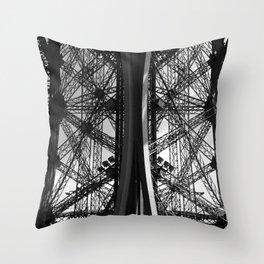La Tour Eiffel I Throw Pillow