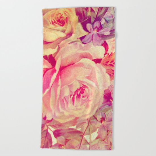 soft vintage roses Beach Towel