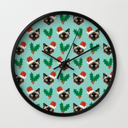 Siamese Cat cute christmas gift santa hat pattern mistletoe and holly wreath cats cute kitten gift  Wall Clock