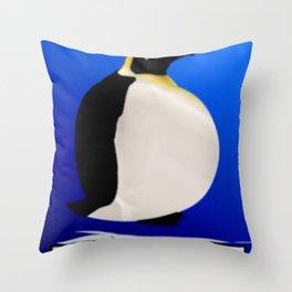 Fisch macht schlank. Throw Pillow