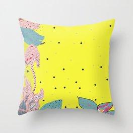 reve jaune Throw Pillow